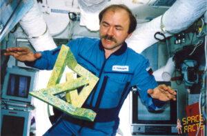 """...tentokrát s """"Kosmickým tanečníkem"""" dovádí Alexandr Poleščuk..."""