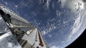 Družice Starlink po odhození aerodynamického krytu