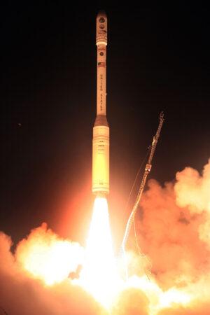 Start rakety Taurus XL s družicí OCO z Vandenbergovy základny.