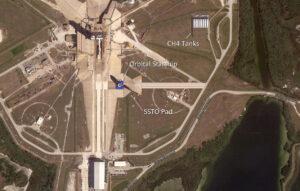 Letecký pohled na rampu 39A ukazuje, kde by se mohla nacházet dodatečná rampa pro lodě Starship a kde by mohla být potřebná infrastruktura.