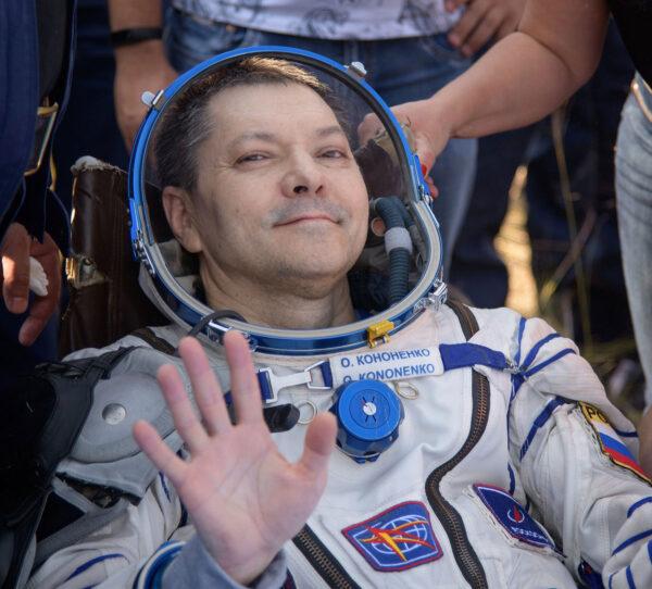 Oleg Kononěnko byl po přistání v dobré náladě.