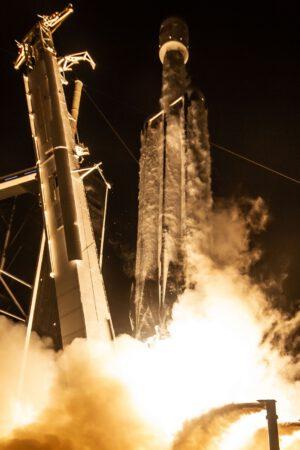 Start Falconu Heavy na misi STP-2