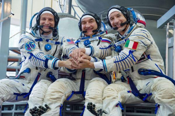 Posádka Sojuzu MS-13 zleva Morgan - Skvorcov - Parmitano