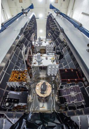 24 družic pro misi STP-2