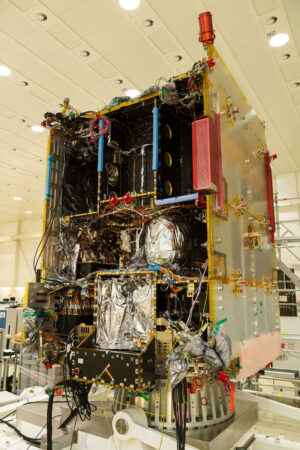 Útroby družice TDRS-C