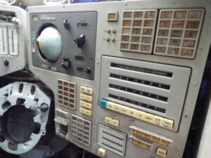 Jeden z panelů přístrojové desky návratové kabiny lodi TKS (foceno rukou rozechvělou, proto ta mizerná kvalita).
