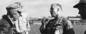 Unikátní fotografie Armstronga po popisované katapultáži
