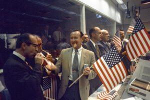 Kraft s ostatními slaví 24. 7. 1969 úspěšné zakončení mise Apolla 11