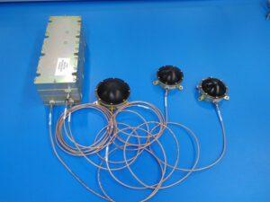 Přístroj LaRa tvoří tři antény, které jsou kabely spojeny s transpondérem.