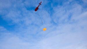 Zkouška hlavního padáku mise ExoMars 2020 v roce 2018.