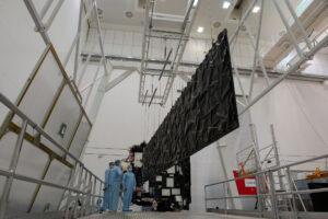 Rozložený solární panel sondy Solar Orbiter