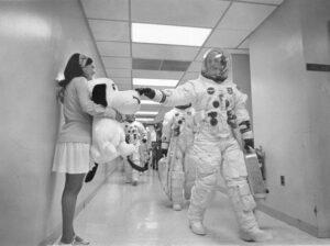 Označení lunárního modulu Apolla 10 názvem Snoopy bylo sympatické a praštěný pes provázel posádku po celou dobu přípravy i letu.