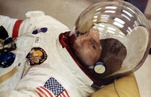 James Lovell, kterého Neil Armstrong odmítl do posádky Apolla 11.