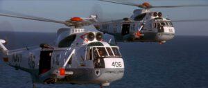 "Záběr z filmu Apollo 13, kde si ""vrtulník 66"" zahrál taky (jde o stroj, který je dnes deponovaný na USS Hornet)"