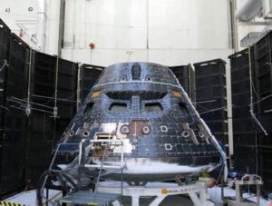 Kapsle pro posádku lodi Orion během testu 2. května