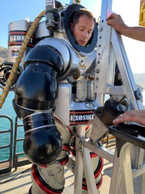 Thomas Pesquet v novém podvodním exosiutu
