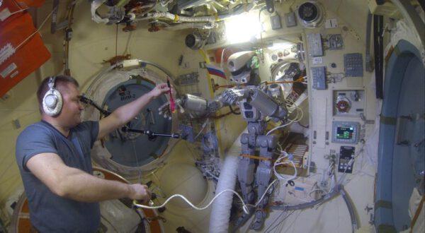 Skybot na ISS