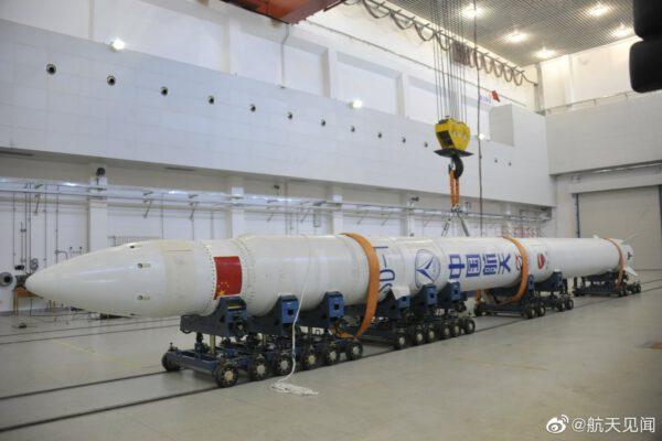 Sestavená raketa Jielong-1