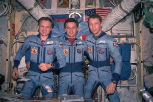 Posádka expedice EO-20: (zleva) Avdějev, Gidzenko, Reiter