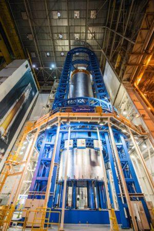 Svařování nádrže na kapalný vodík, 15. srpna