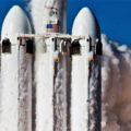 První start nejsilnější rakety světa Falcon Heavy ve chvíli kdy opouští startovací rampu.
