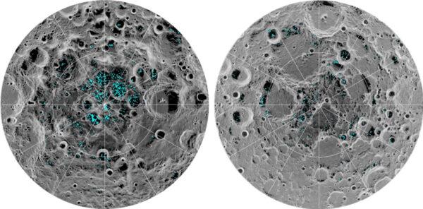 Měsíční póly (vlevo jižní, vpravo severní) s vyznačenou přítomností vodního ledu, jak ji změřil přístroj Moon Mineralogy Mapper na sondě Chandrayaan-1.