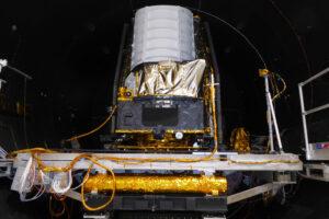 STM teleskopu Euclid v termálně-vakuové komoře.
