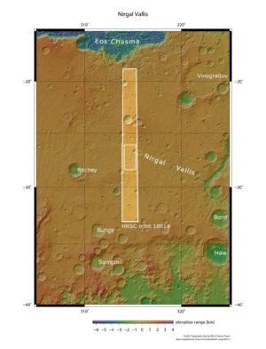 Okolí oblasti Nirgal Vallis s vyznačenou nasnímanou oblastí.