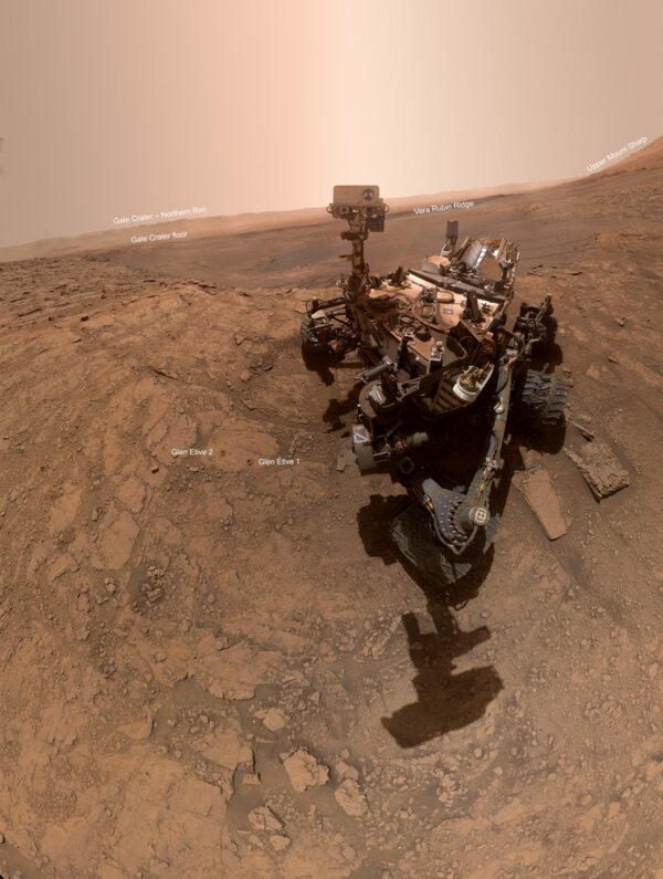 Selfie Curiosity z 11. října 2019