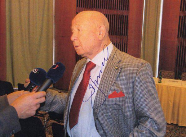 Alexej Leonov na kongresu ASE v Praze (2009)