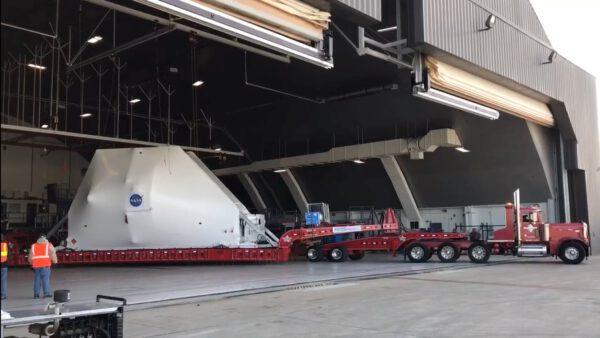 Orion dorazil na letiště Mansfield Lahm