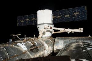 Na modul Harmony byl připojen i Dragon při misi CRS-17.