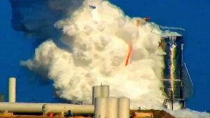 LabPadre natočil explozi z velké blízkosti. Tomuto snímku dominuje oblak zkondenzované vlhkosti.