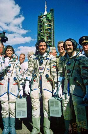 Nová posádka Sojuzu TM-24: Deshays, Korzun, Kaleri