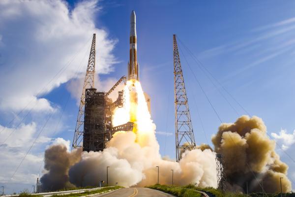 start rakety Delta IV s družicí GPS III SV 02, 22.8.2019