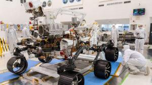 Mars rover 2020 během první zkušební jízdy.