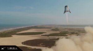 Druhý úspěšný let Starrhopperu, tentokrát až do výšky 150 metrů.