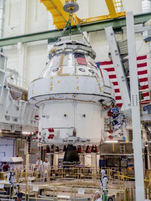 Orion pro Artemis I v budově O&C, 11. listopadu 2019