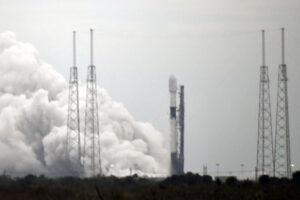 Statický zážeh Falconu 9 před misí Starlink 1-2