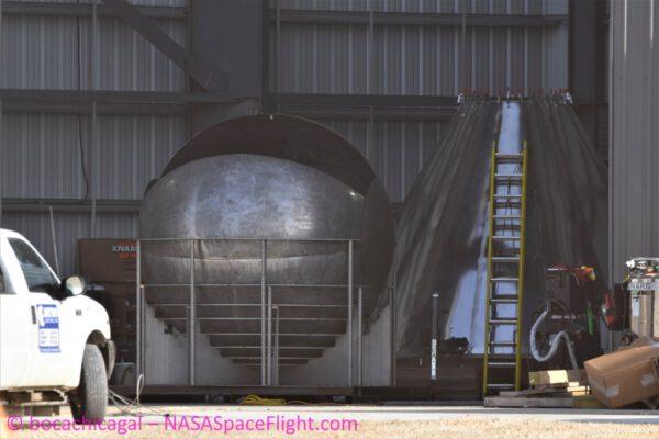 Nová kulová nádrž pro Starship a špička budoucí Starship