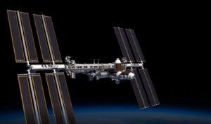 Celkový pohled na ISS po přidání modulů firmy Axiom.