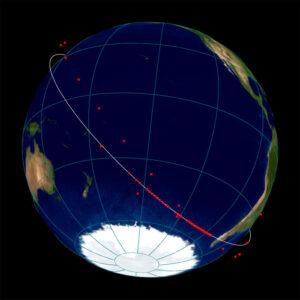 Část družic z listopadového startu už je na dráze ve výšce 550 km, zbytek Starlinků zůstává na vyčkávací dráze a tvoří známý řetízek.