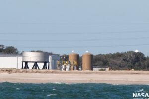 U přistávací rampy LZ-1 na Floridě vyrostla konstrukce připomínající nádrž lodi Starship.