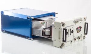 zařízení MVP (Multi-use Variable-g Platform), na kterém se bude provádět experiment MVP Cell-03.