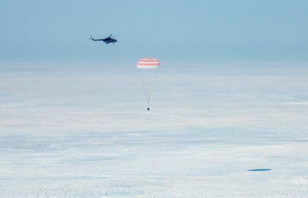 Sojuz MS-13 přistává
