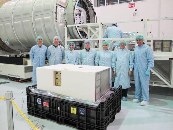 Experiment Saffire-I před startem na misi Cygnus OA-6.