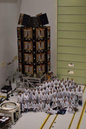 Prvních 34 ostrých (nikoliv testovacích) družic OneWeb.