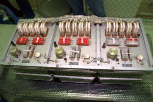 Počítač Saljut-5B před naložením do Atlantisu