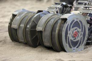 Detailní pohled na bubnové sběrače robota RASSOR.