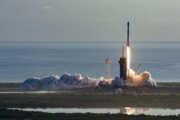 Start Falconu 9 s další várkou družic Starlink